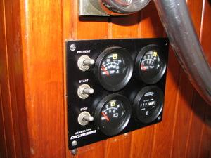 yacht_secondhand_blue_sea43_35.JPG
